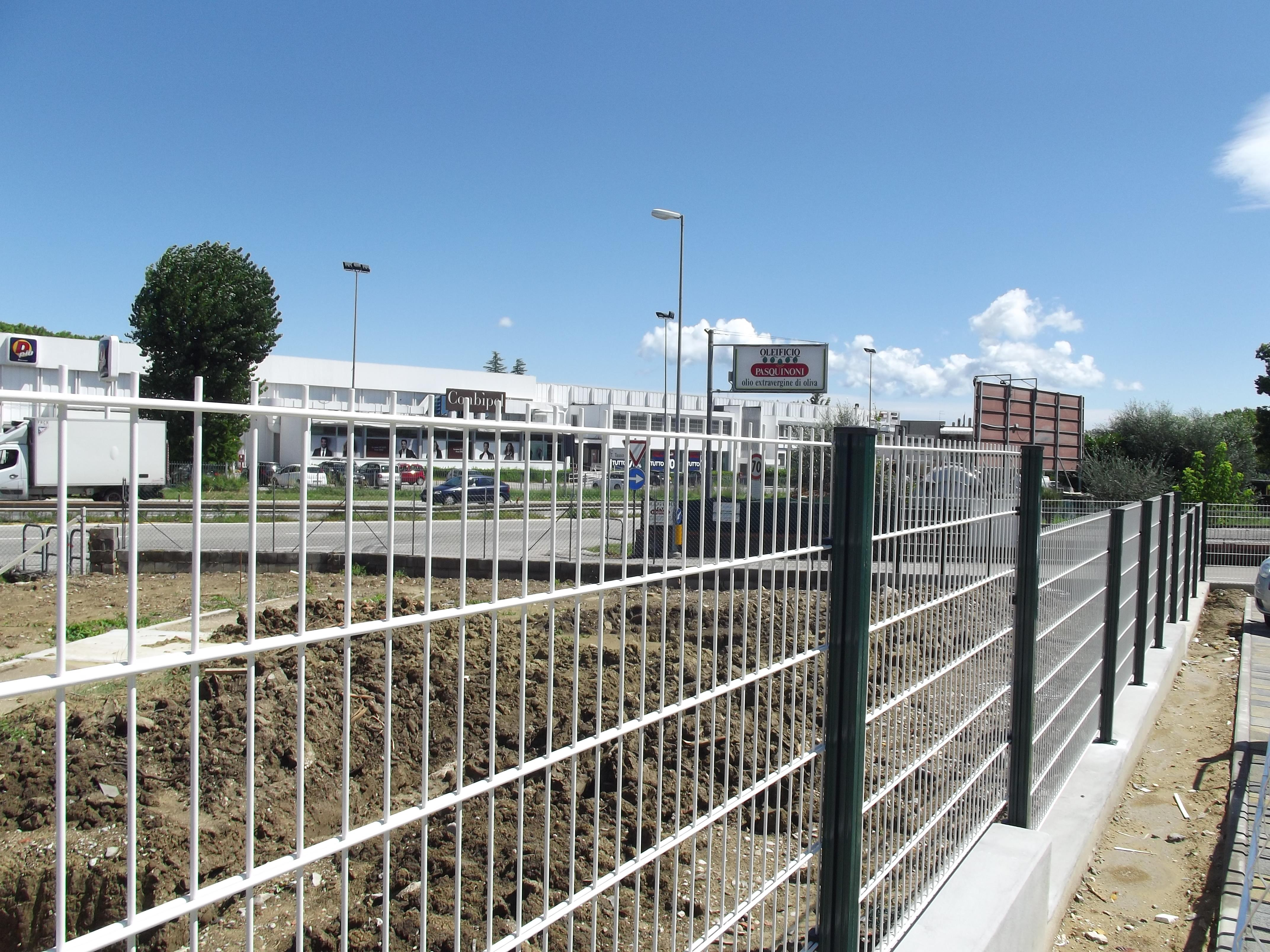 Fencing Welded Mesh paired wire - Avantgates